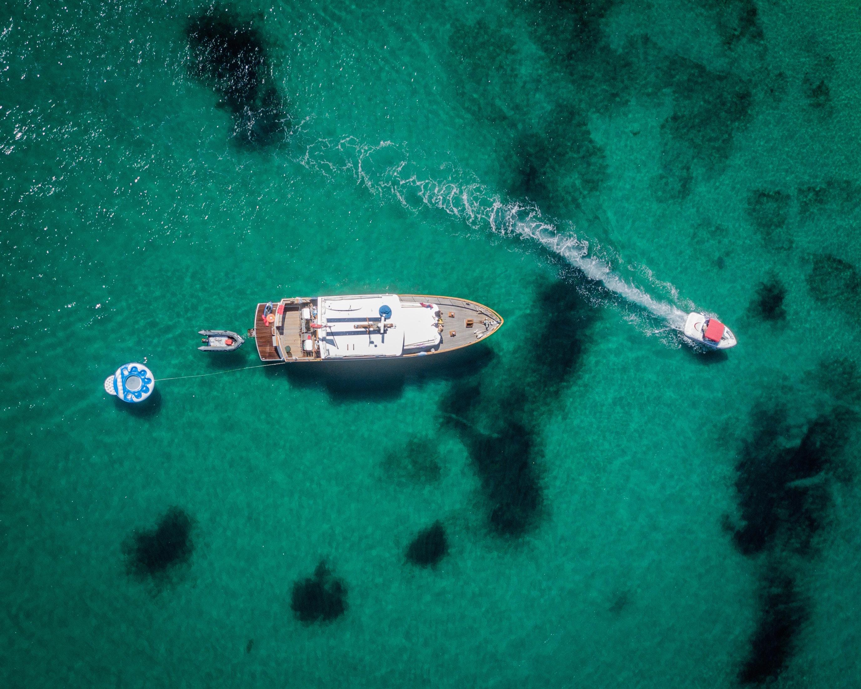 Åk på en seglingsresa med dina vänner i Kroatien