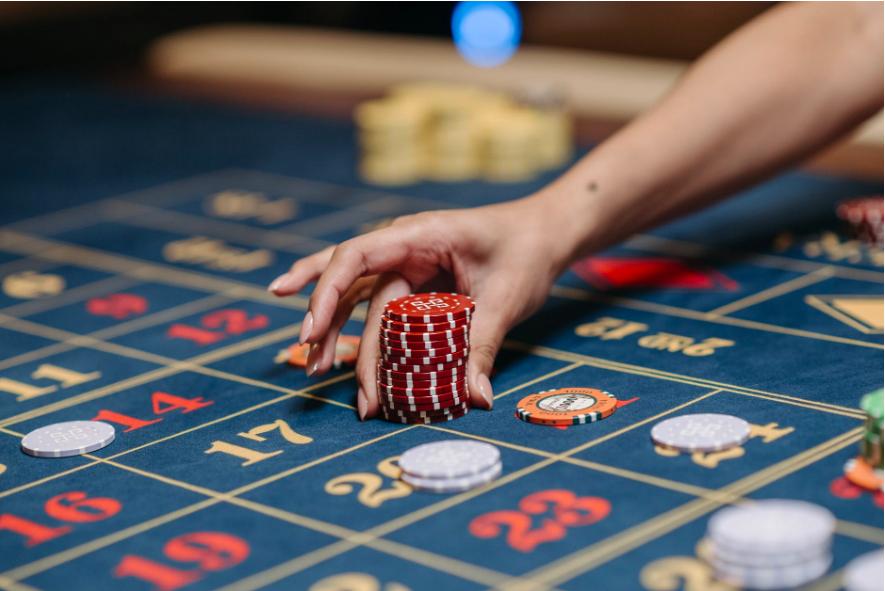Få IRL Casino känslan med Live casino med en riktigt deal:er